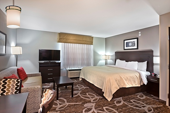 FAIRFIELD INN & SUITES  Papillion, NE