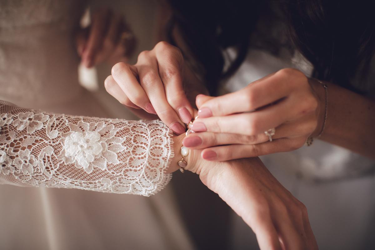 01-Jesus-Peiro-bride.jpg