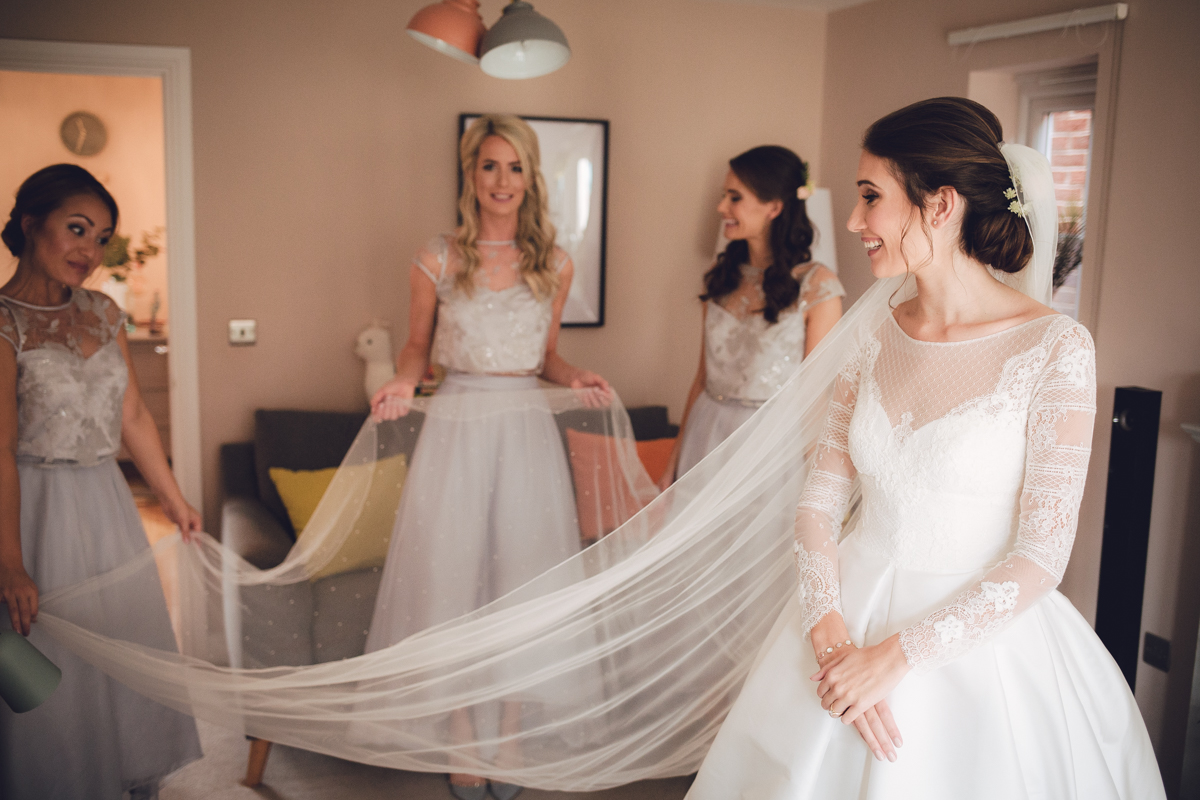 02-Jesus-Peiro-bride.jpg