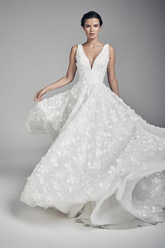 azalea-wedding-dresses-uk-suzanne-neville-flores-collection-2020-533x800-1.jpg