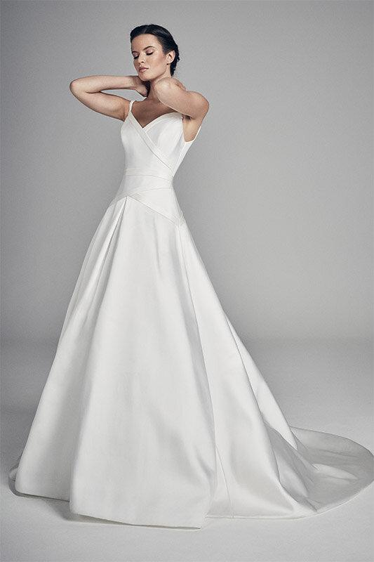 dakota-wedding-dresses-uk-suzanne-neville-flores-collection-2020-533x800-1.jpg