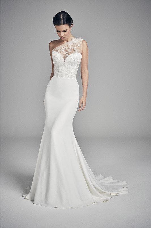 petunia-wedding-dresses-uk-suzanne-neville-flores-collection-2020-533x800-1.jpg