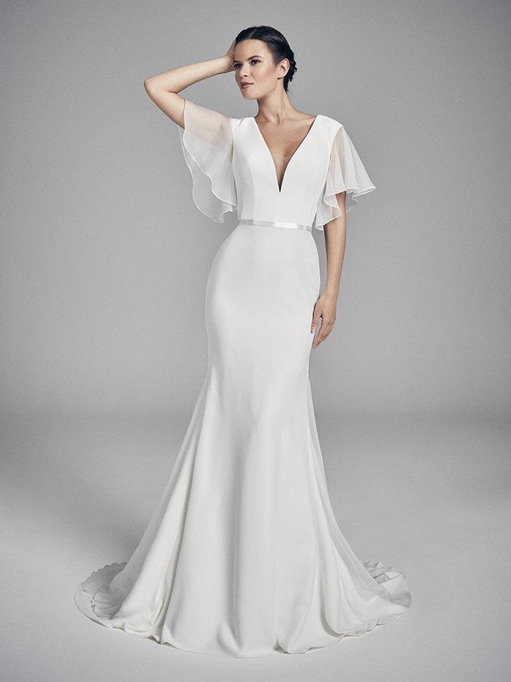 ariel-wedding-dresses-uk-suzanne-neville-flores-collection-2020-735x980-1.jpg