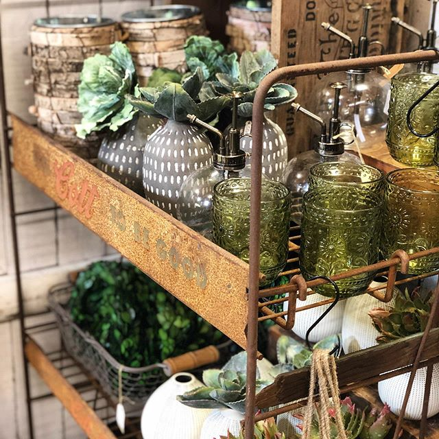 Last day to come shop the Country Living Fair!! We restocked and organized last night and are excited to see you guys today. The shop is also open 10-3! #bluebirdhomedecor #bluebirdlifestyle #countryliving #upstateny #handmade #clfair #vintage #countrylivingmagazine