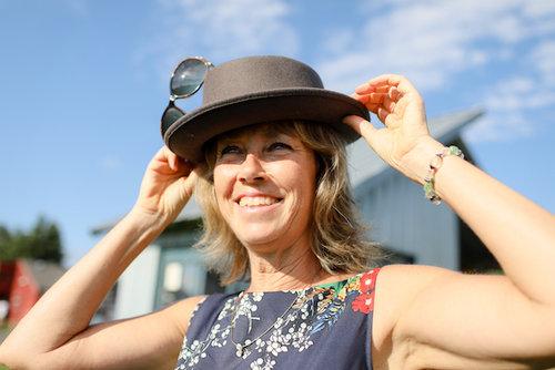 Shelley+hat++small+file+.jpeg