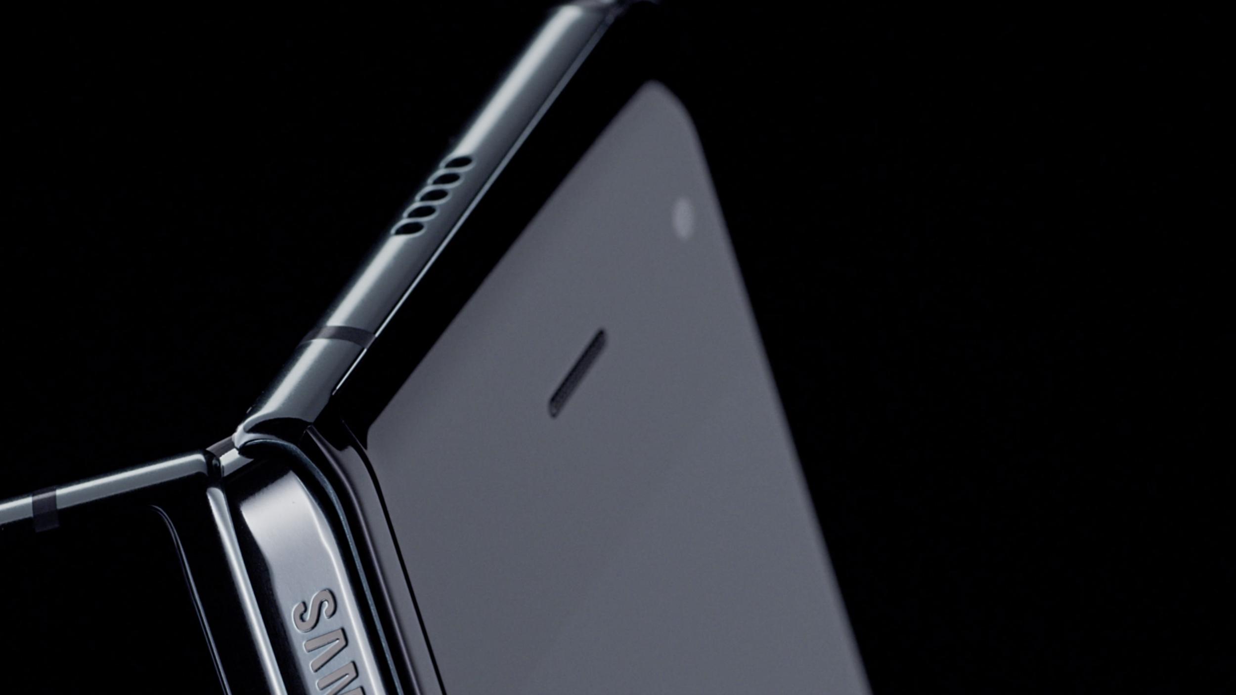 Samsung Galaxy Fold highres1.png