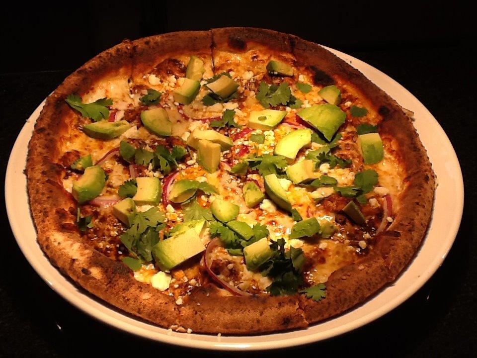 chicken-guacamole-pizza.jpg
