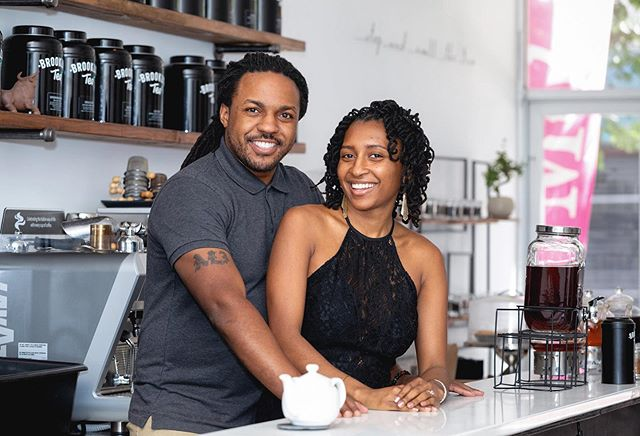 Brooklyn Love.... their love is a love of tea. Meet the owners of @brooklyntea. Our #1 source for teas.  #coupleportraits #nycportraits raoulbrown #raoulbrownphotography #framedbyraoul #blackbusinesses #youngentrepreneur #brooklynlove #brooklyntea