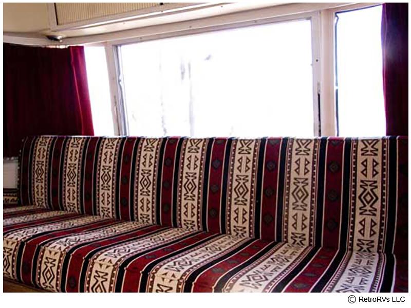73Sfari_couch_front.jpg
