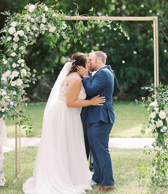 Beautiful archway for this amazing couple! @natashianicolephoto @cocolunaevents @purebridalboutique @hair.by.laurenmichelle @whiteorchidatoasis