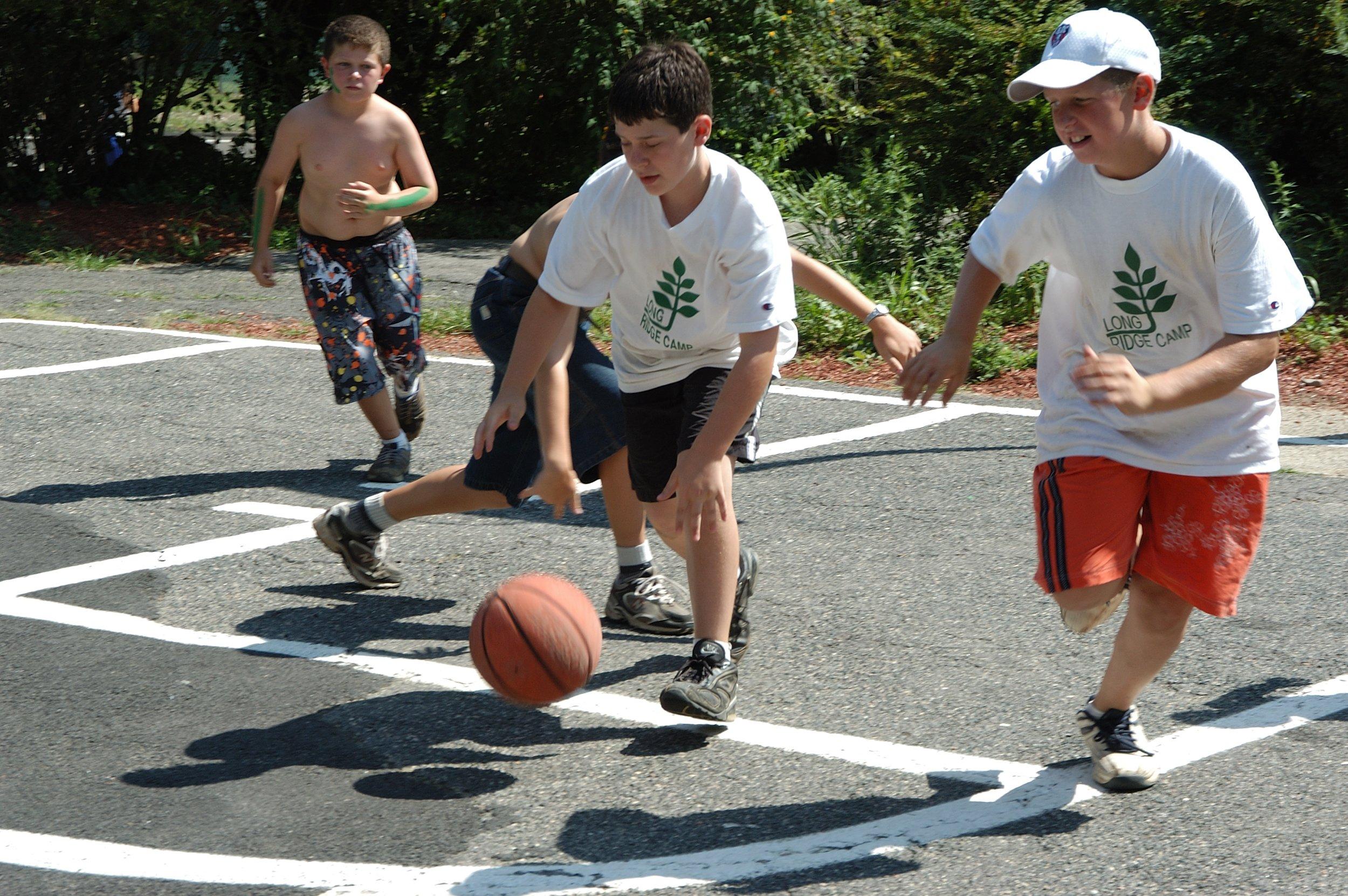 older boys basketball.JPG