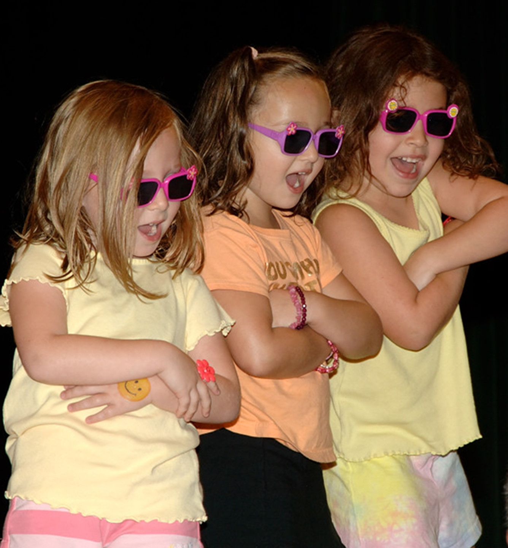 Home-3 girls performance.JPG