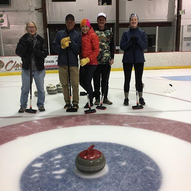 Open curling = time to practice. #goodcurling #SWEEP #hurryhard #lightningbroom