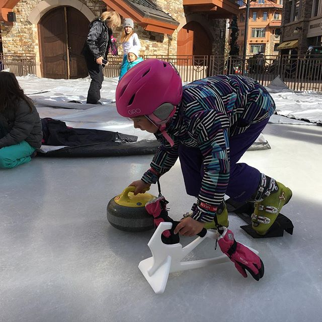 We had a great time today at the #holidayprelude in the @townofmountainvillage. Thanks to everyone who came out and gave curling a try! #goodcurling #hurryhard #SWEEP #telluride #curlinginskiboots #telluridecurling