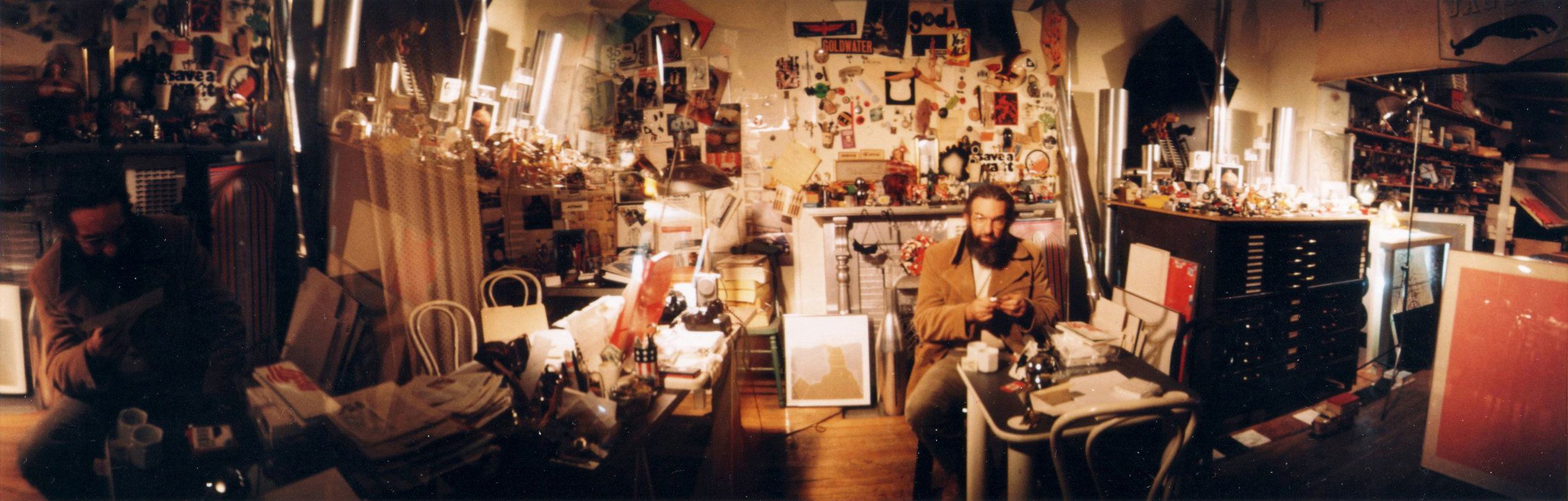 Reyner Banham visiting GOD & CO in his studio, Montreal 1973