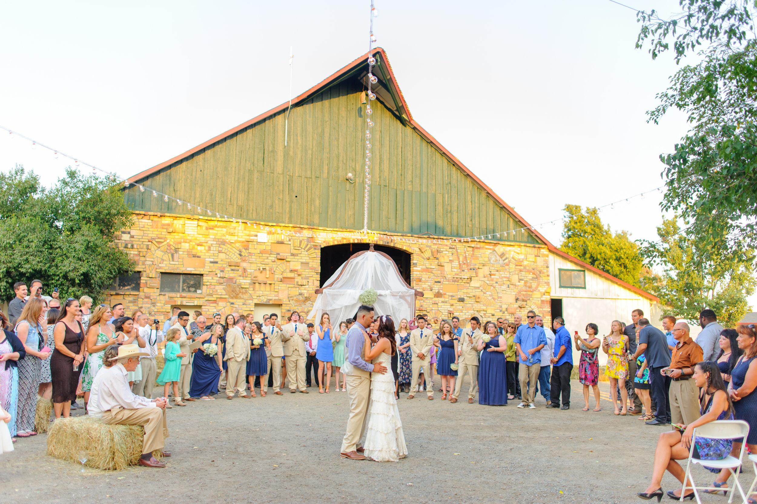 carly-geoff-031-horse-ranch-western-sacramento-wedding-photographer-katherine-nicole-photography.JPG
