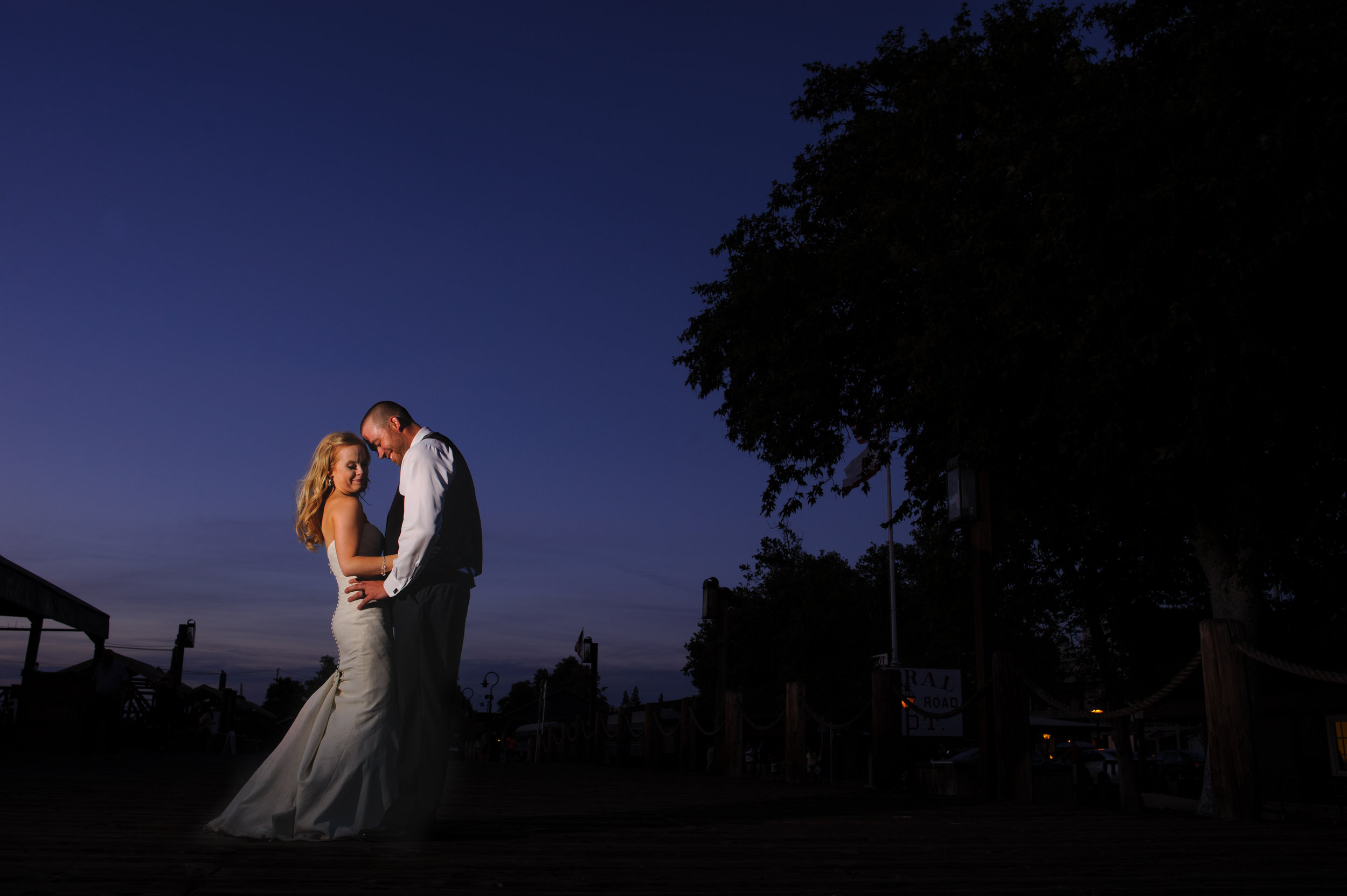 jenelle-brian-001-courtyard-d'oro-old-sacramento-wedding-photographer-katherine-nicole-photography001.JPG