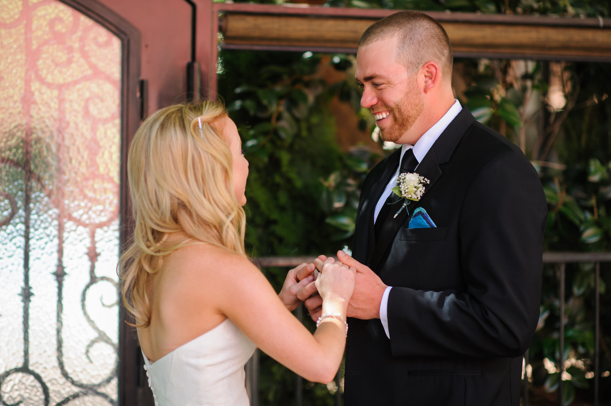 jenelle-brian-001-courtyard-d'oro-old-sacramento-wedding-photographer-katherine-nicole-photography014.JPG