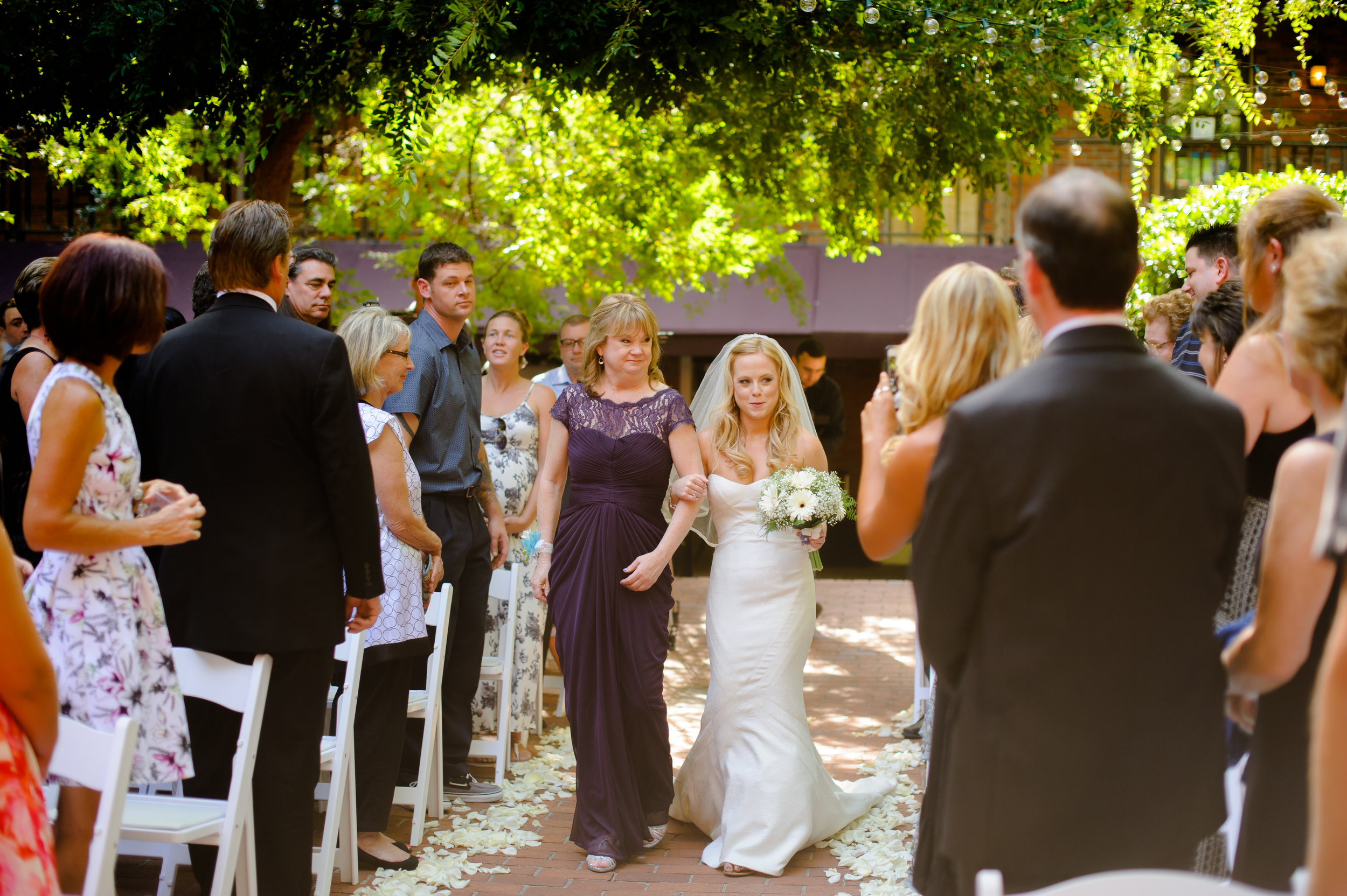 jenelle-brian-001-courtyard-d'oro-old-sacramento-wedding-photographer-katherine-nicole-photography020.JPG