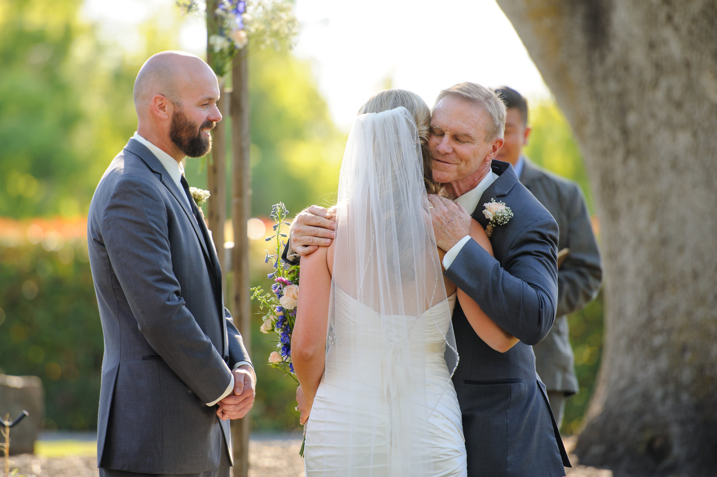 lindsey-alex-015-backyard-sacramento-wedding-photographer-katherine-nicole-photography.JPG