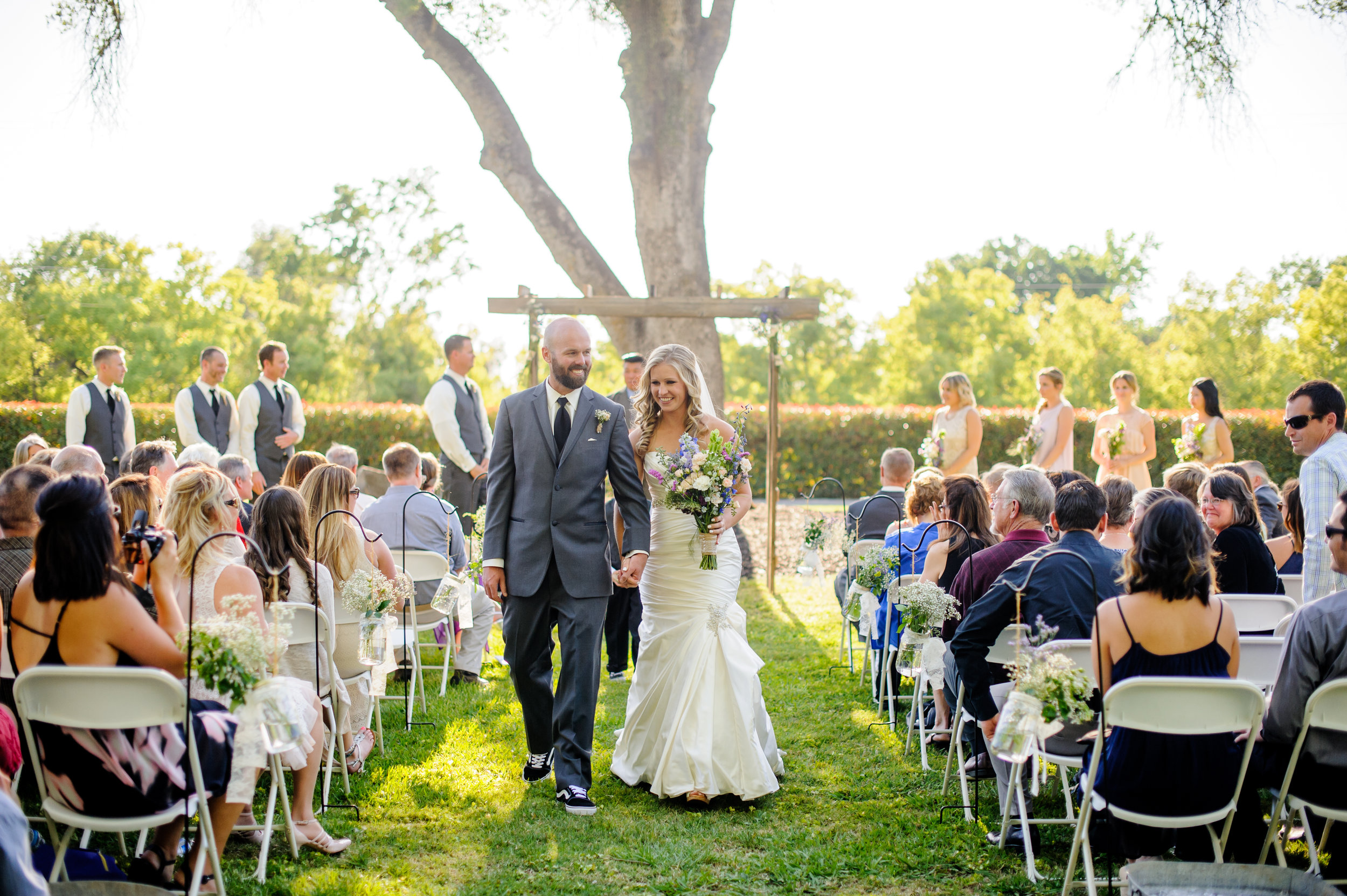 lindsey-alex-021-backyard-sacramento-wedding-photographer-katherine-nicole-photography.JPG