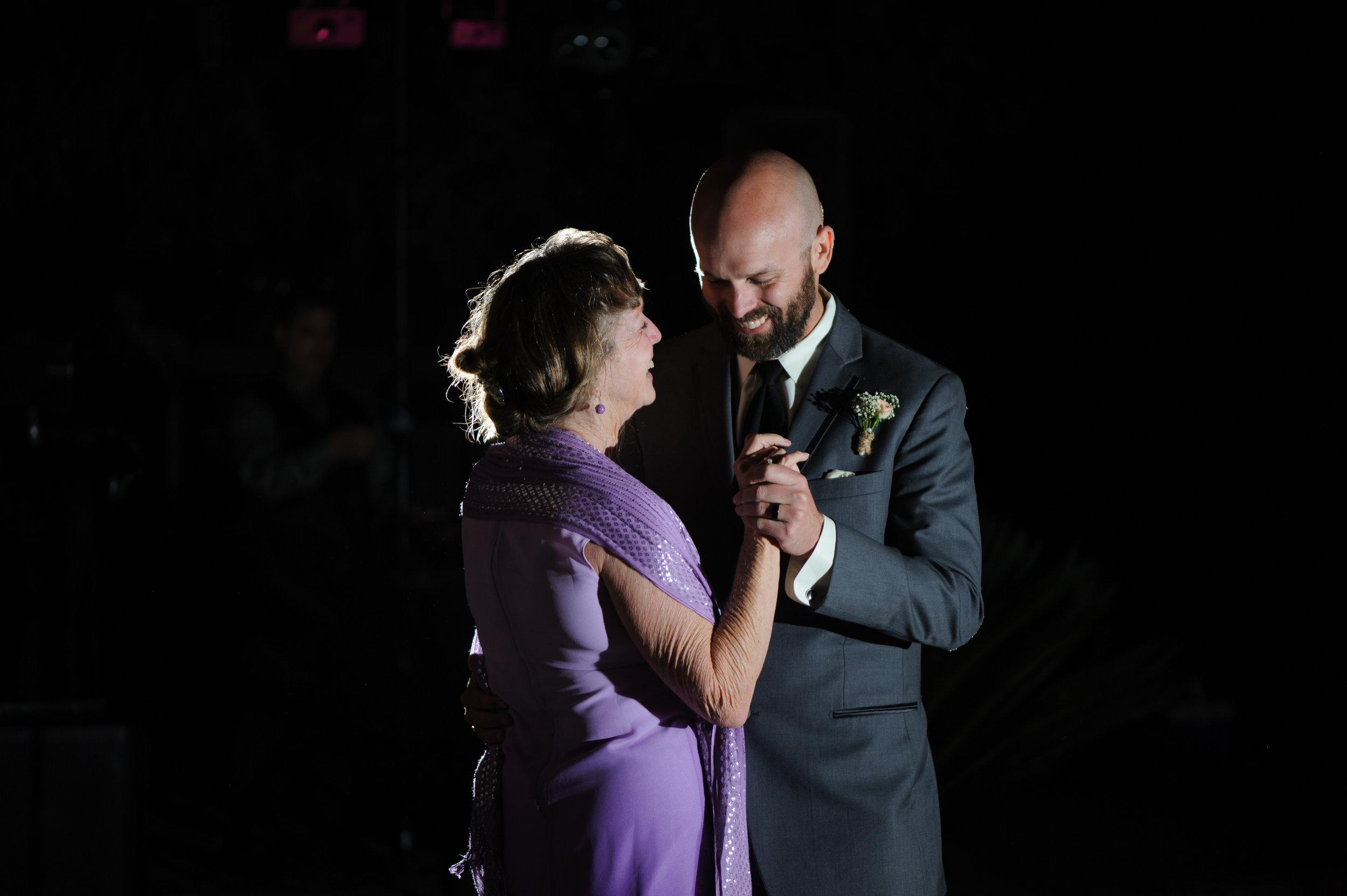 lindsey-alex-036-backyard-sacramento-wedding-photographer-katherine-nicole-photography.JPG