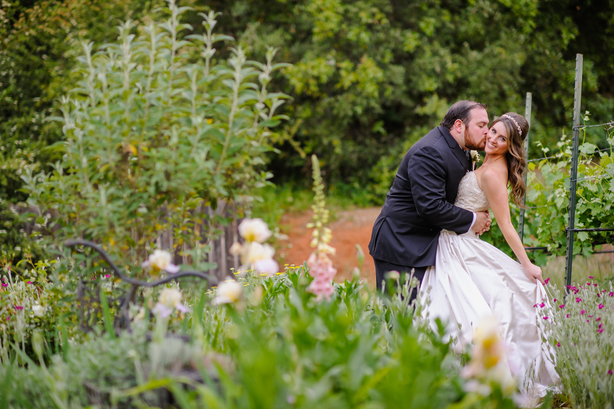 lindsey-charlie-043-monte-verde-inn-foresthill-wedding-photographer-katherine-nicole-photography.JPG