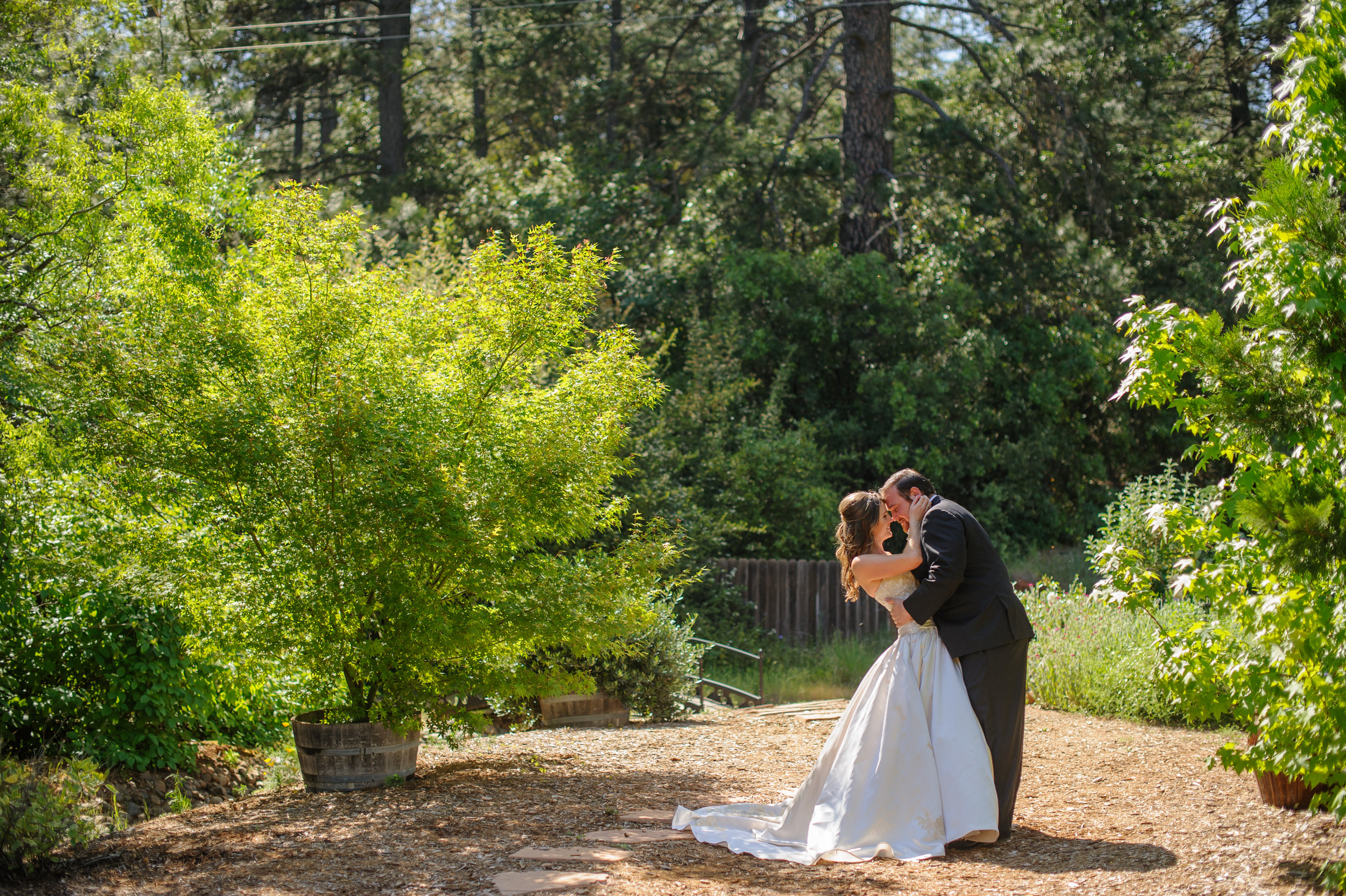 lindsey-charlie-059-monte-verde-inn-foresthill-wedding-photographer-katherine-nicole-photography.JPG