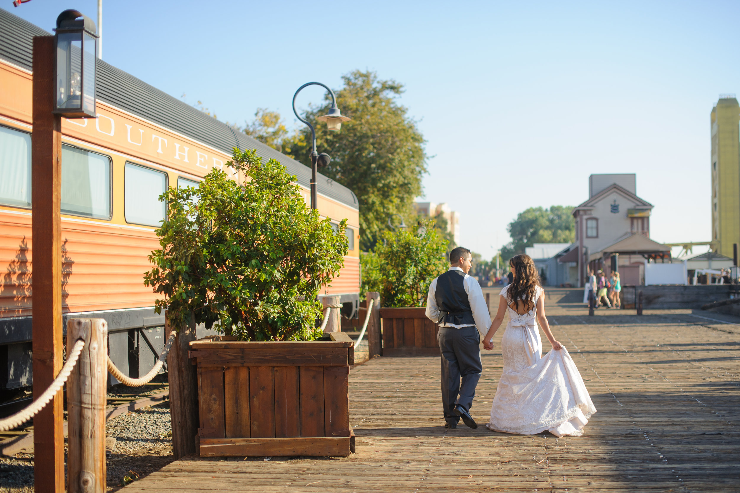 beth-mark-022-courtyard-d'oro-old-sacramento-wedding-photographer-katherine-nicole-photography.JPG