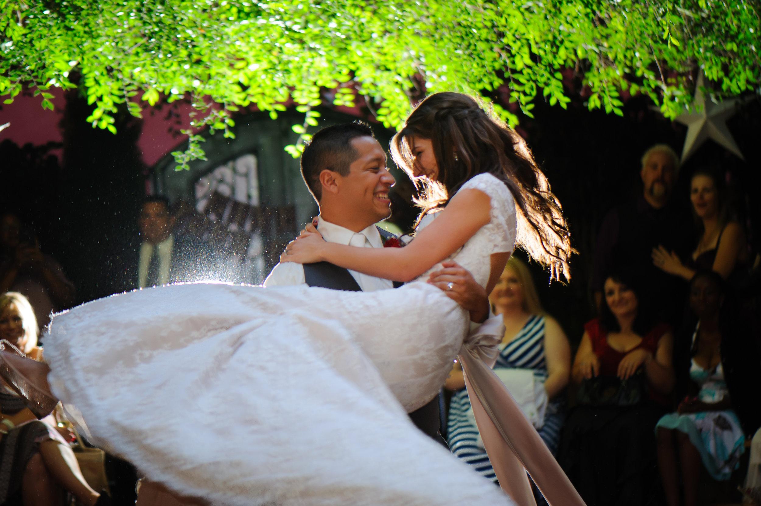 beth-mark-034-courtyard-d'oro-old-sacramento-wedding-photographer-katherine-nicole-photography.JPG