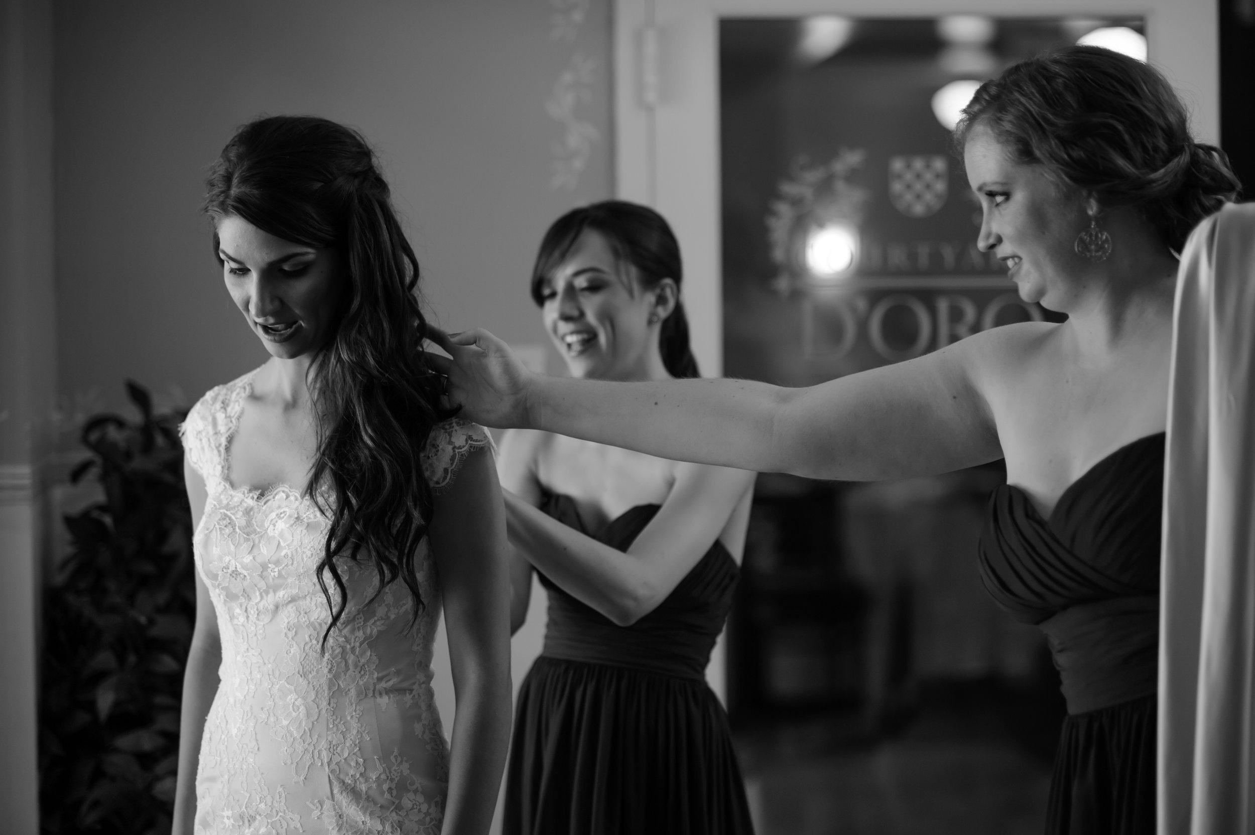 beth-mark-007-courtyard-d'oro-old-sacramento-wedding-photographer-katherine-nicole-photography.JPG