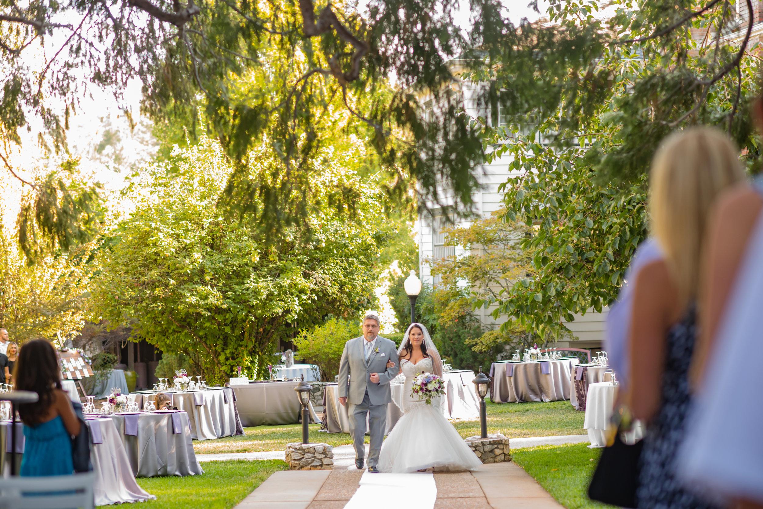 erika-seth-015-monte-verde-inn-sacramento-wedding-photographer-katherine-nicole-photography.JPG