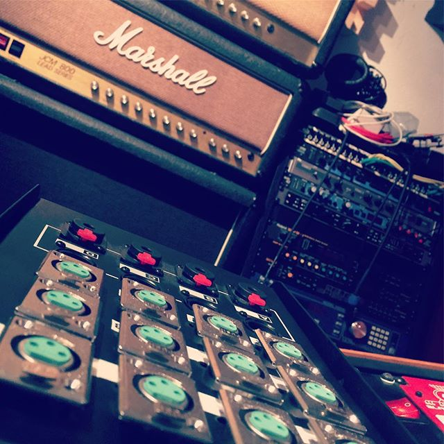 When you have to do it yourself but only the best will do... #marshall #switchcraft #studio #studiolife #studioporn #bluehousesoundstudio #recording #diy #rackgear #marshalljcm800 @marshallamps_uk  #patchbay @bluehousesoundstudio #studioporn #studiophoto #orangecounty #socal #summer #california