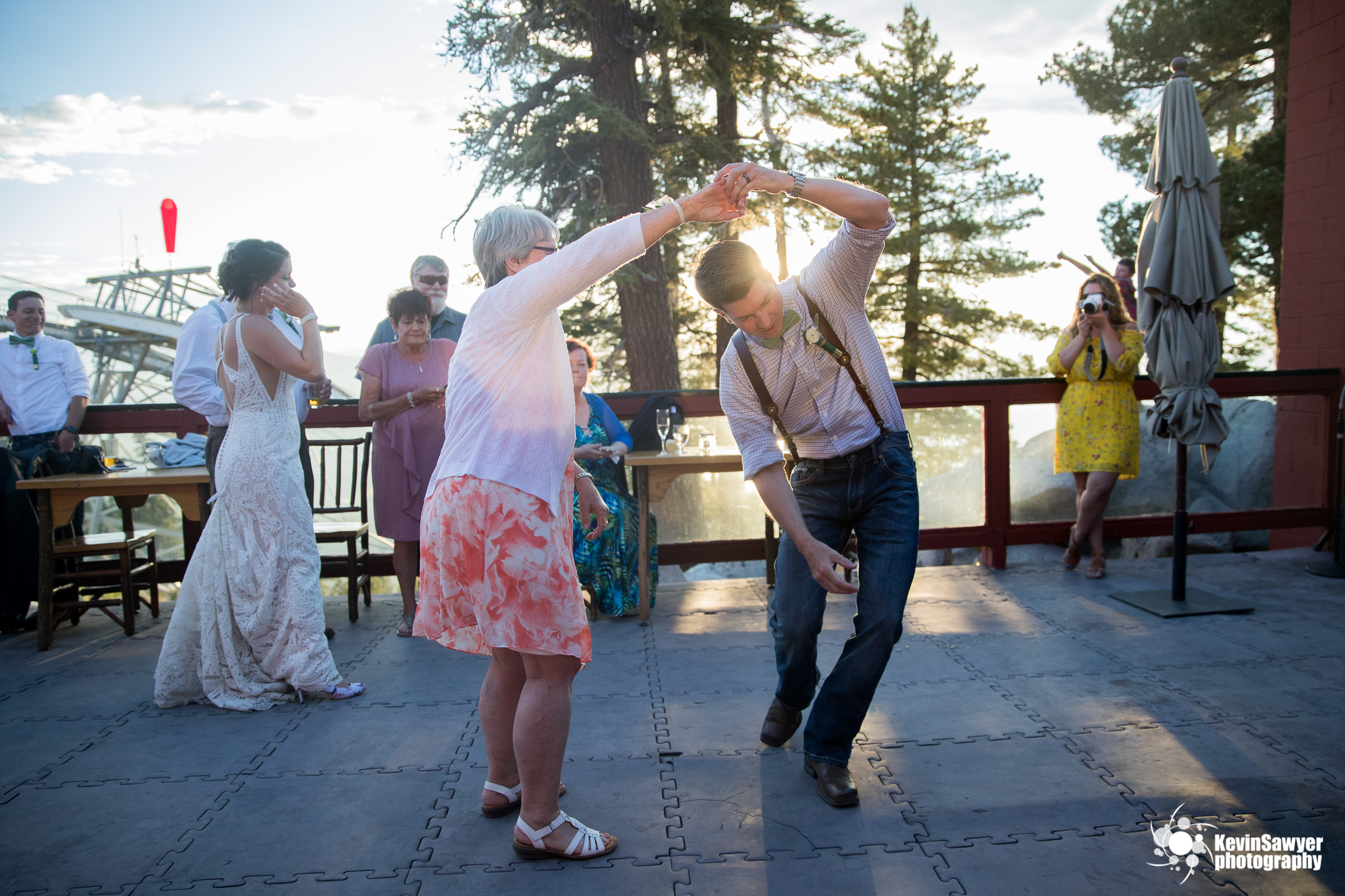 lake tahoe wedding photographer heavenly lake view lodge