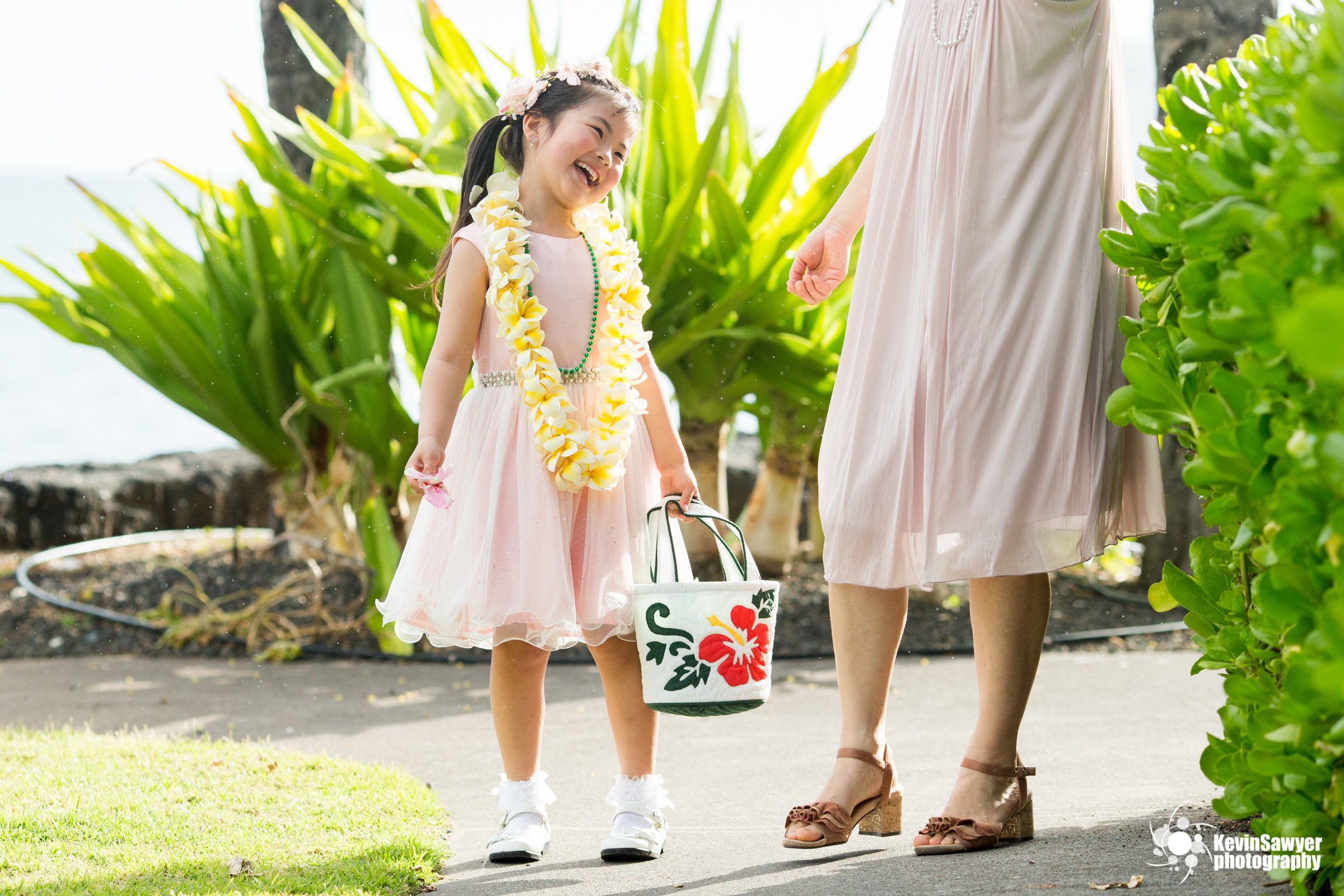 hawaii-big-island-photographer-photography-destination-flower-girl