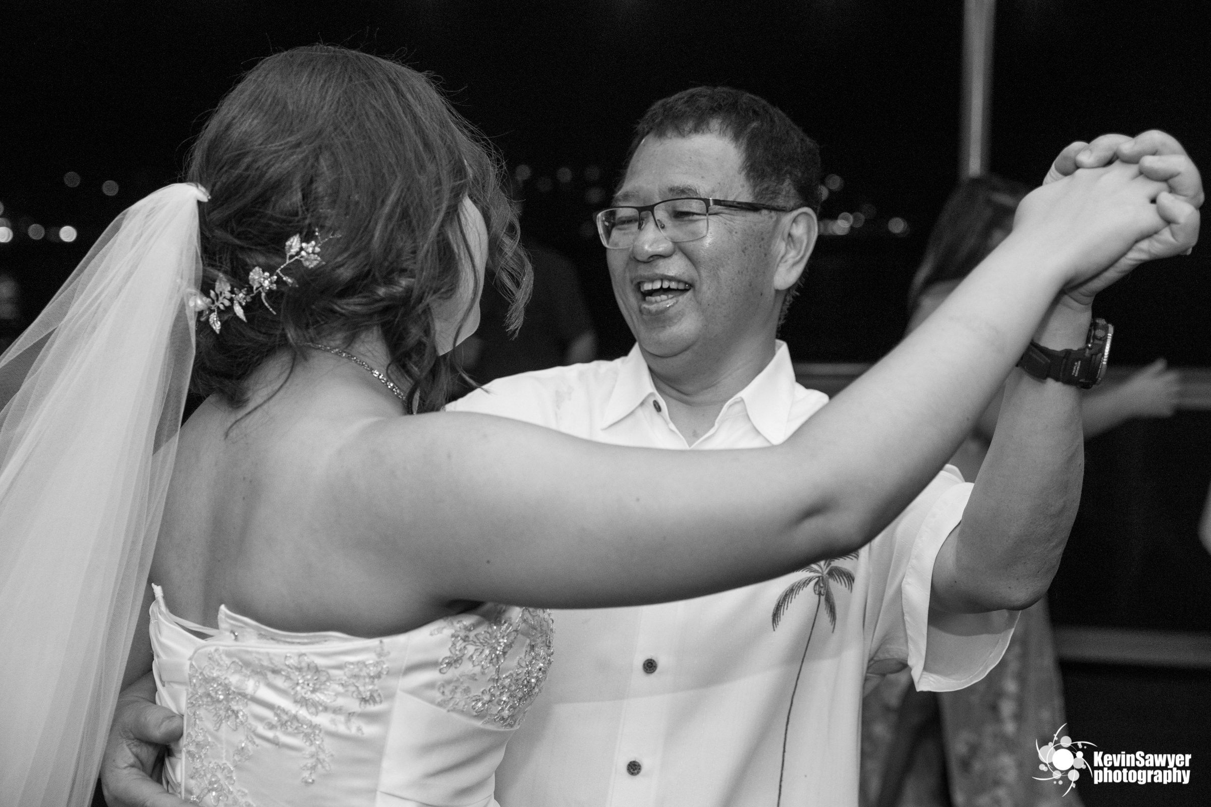 hawaii-big-island-photographer-photography-destination-reception-father-daughter-dance