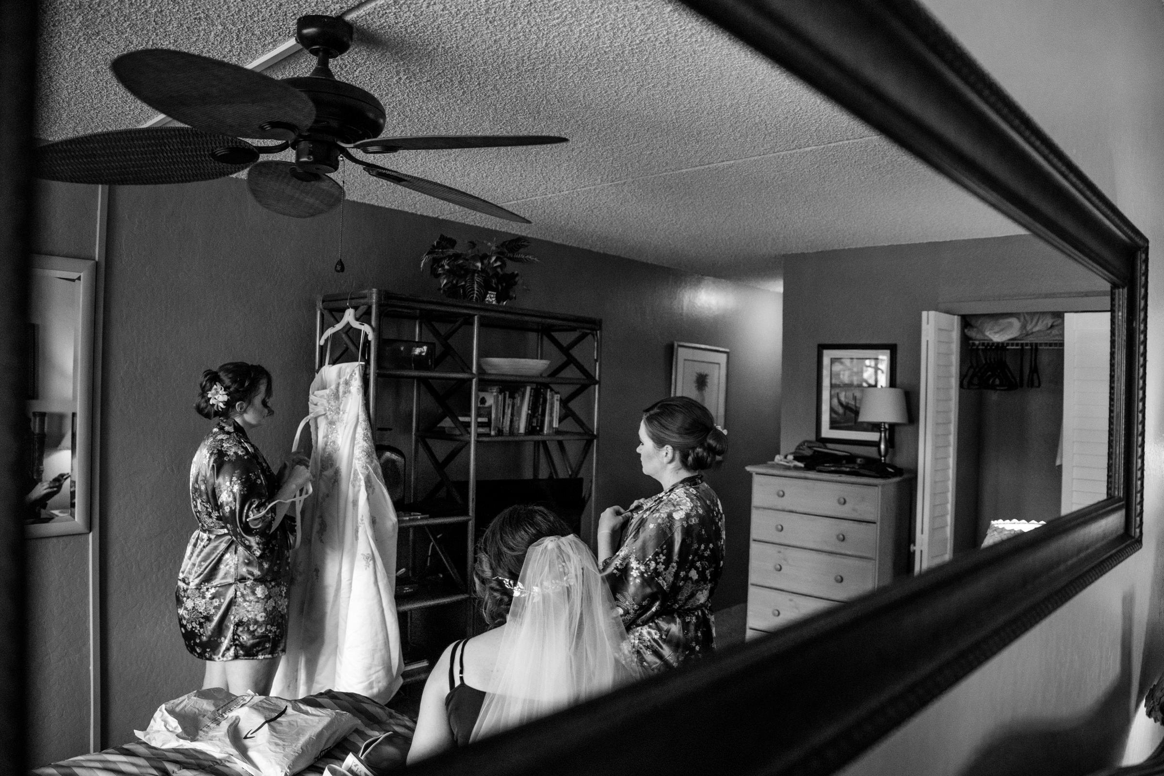 wedding-photographer-photography-destination-hawaii-lake-tahoe-getting-ready-wedding-dress