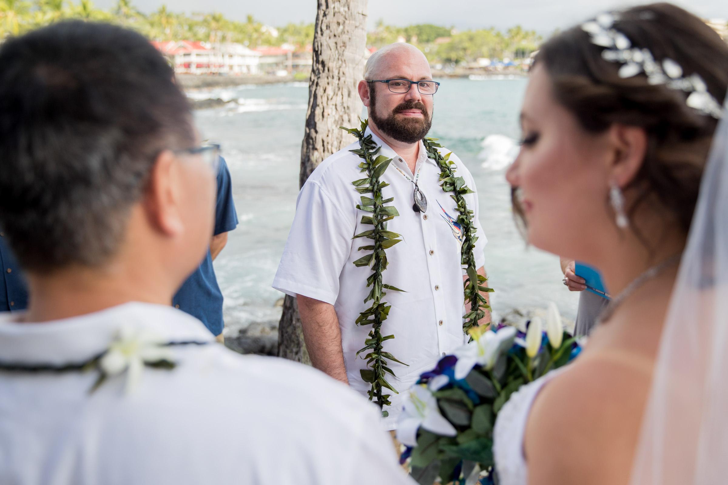 wedding-photographer-photography-destination-hawaii-lake-tahoe-ceremony-groom