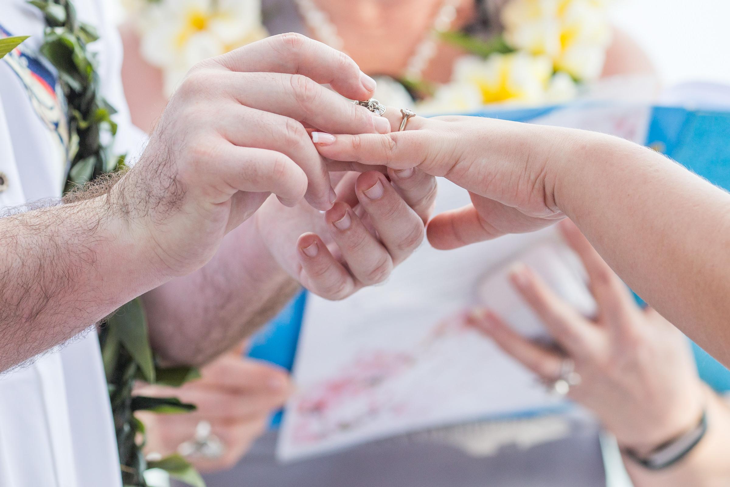 wedding-photographer-photography-destination-hawaii-lake-tahoe-ceremony-rings