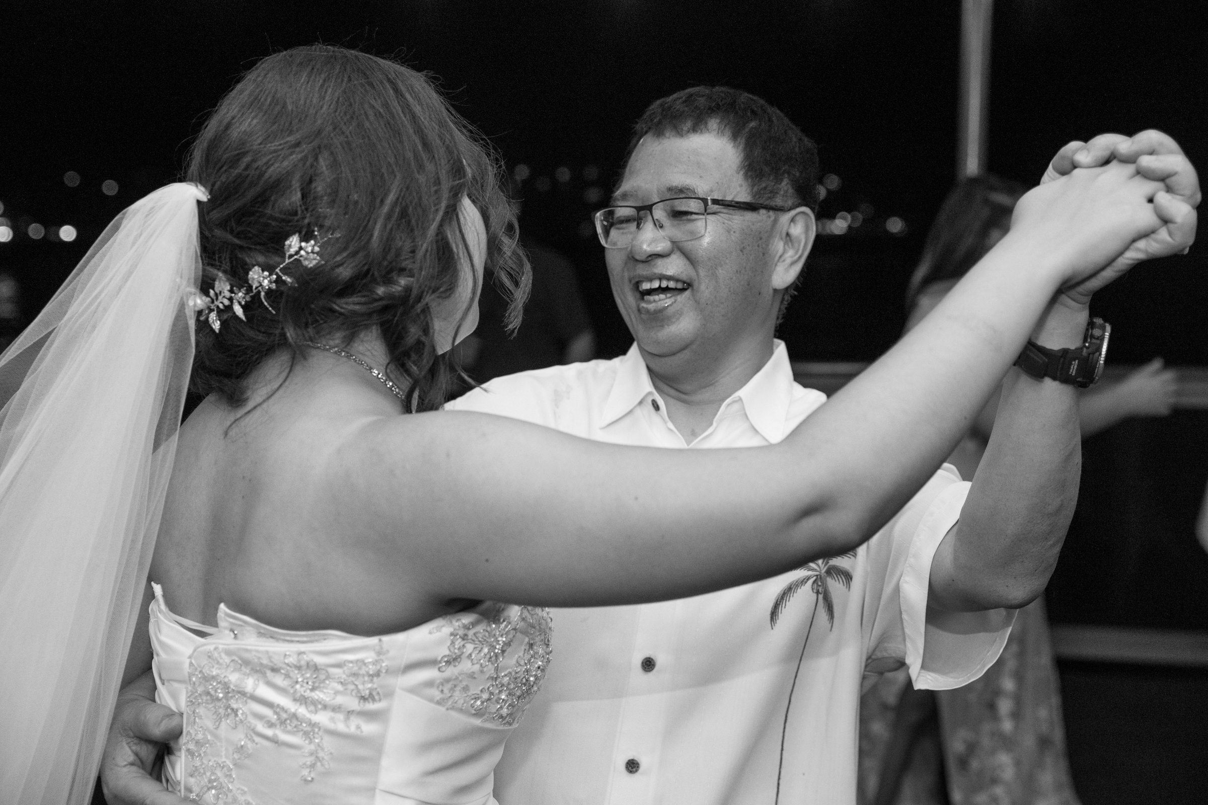 wedding-photographer-photography-destination-hawaii-lake-tahoe-reception-father-daughter-dance