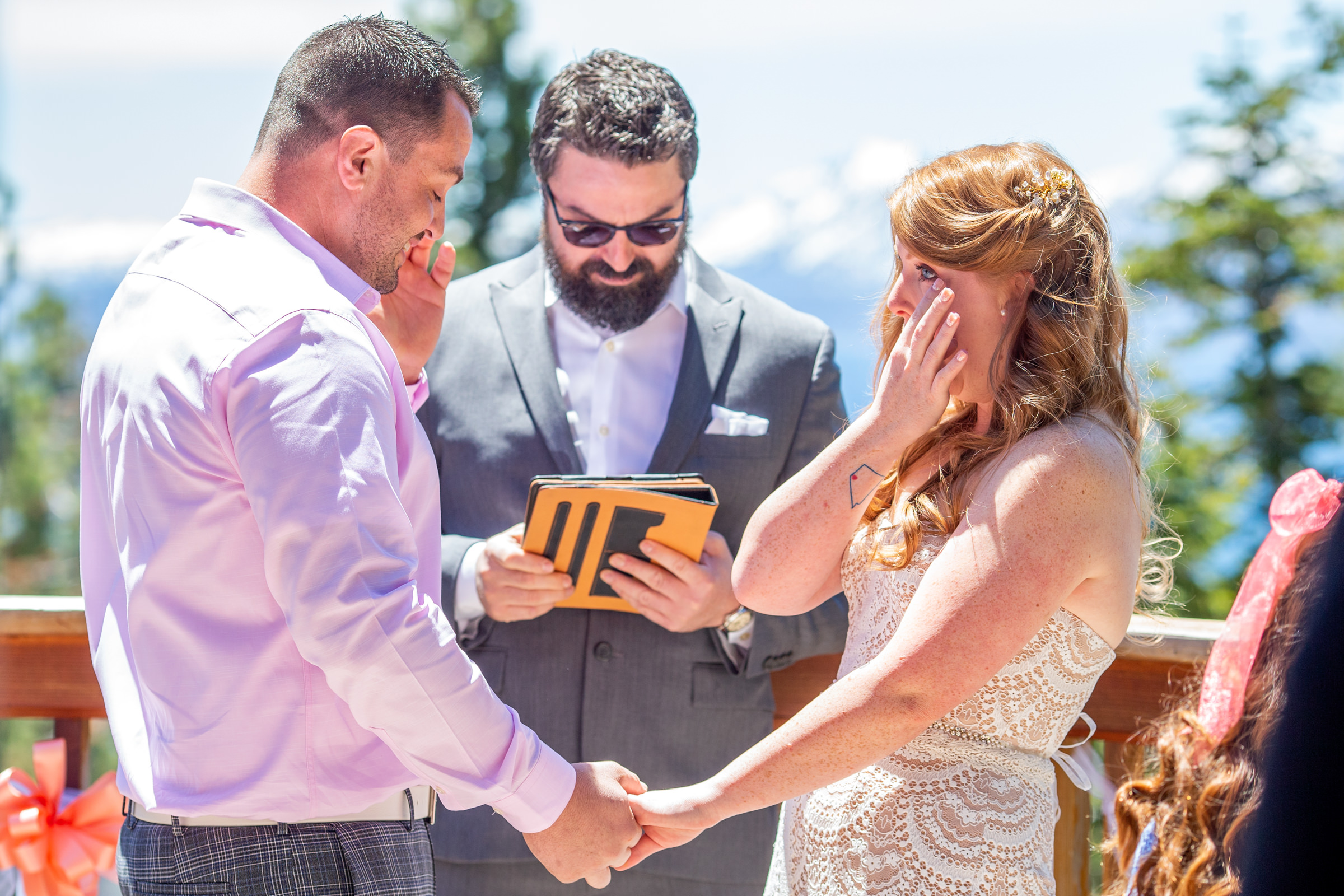 lake-tahoe-wedding-photographer-photography-best-top-north-city-kevin-sawyer-reno-truckee-bestof-incline-village-bride-groom-ceremony-emotional-ginger-redhead