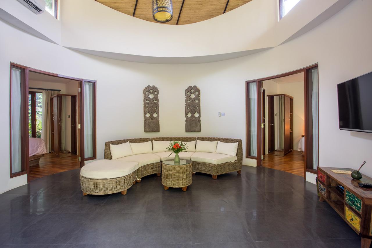 2bedvilla-lounge02.jpg