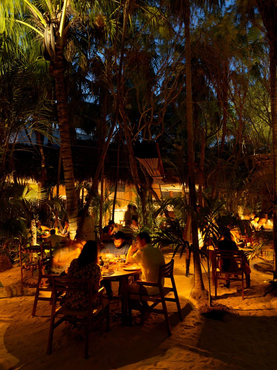 Dining-Room---Night---Noma-Mexico.jpg
