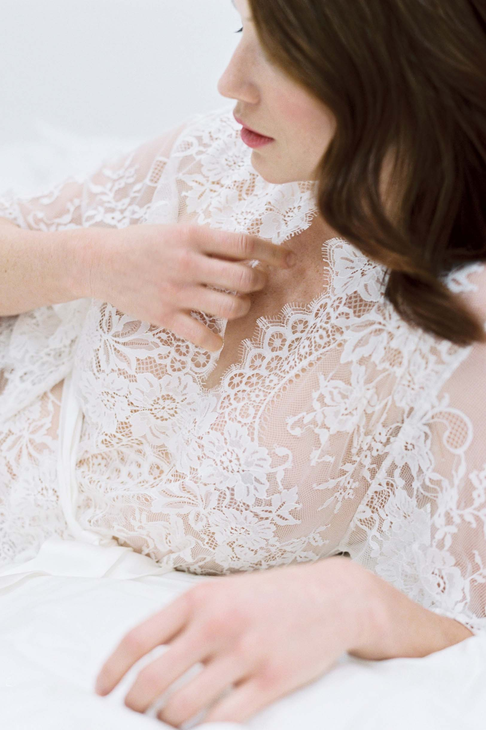 GirlandaSeriousDream Swan Queen lace robe ivory bride getting ready kimono wedding morning.jpg