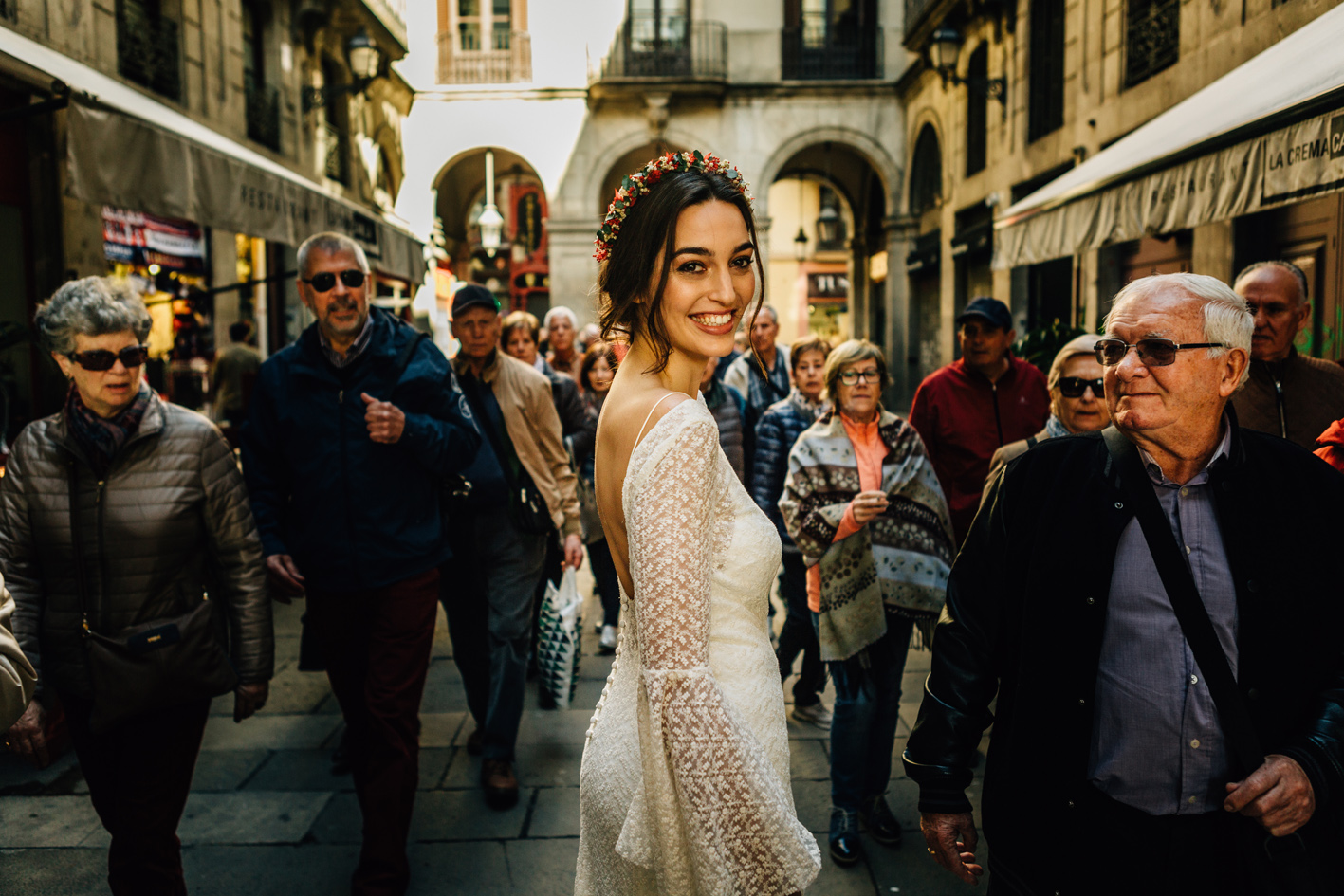 pierreatelier-photographe-paris-barcelone-couronnes-de-victoire-mariage-fleur-208.jpg