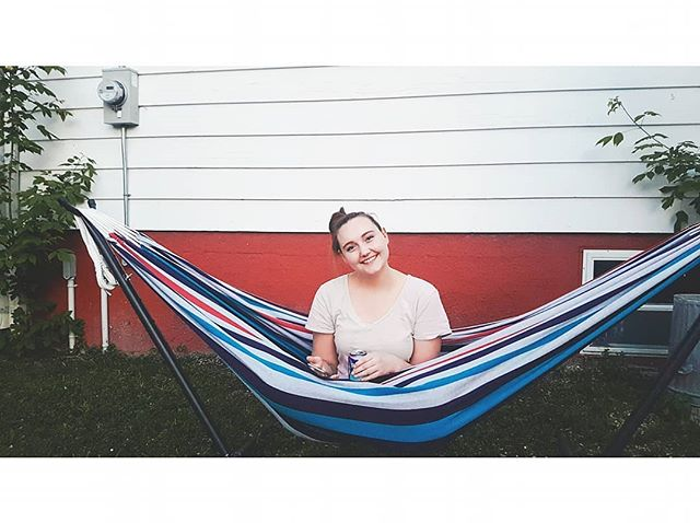 """""""Every time you burp it's just.. not that cute."""" . . . Backyard hangs with the realest @kelseyerinred"""