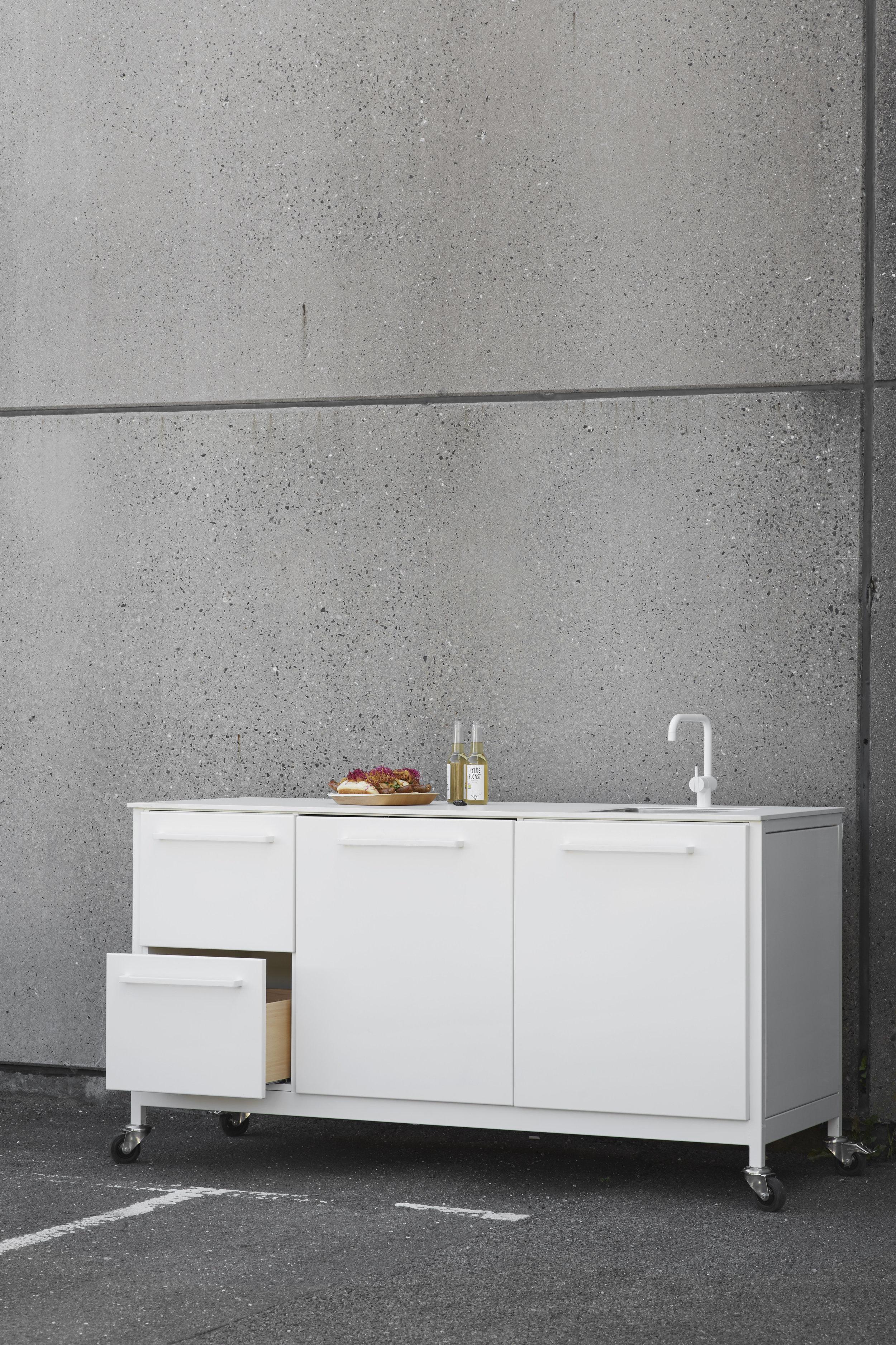 CPH-Square_travel kitchen-white.jpg