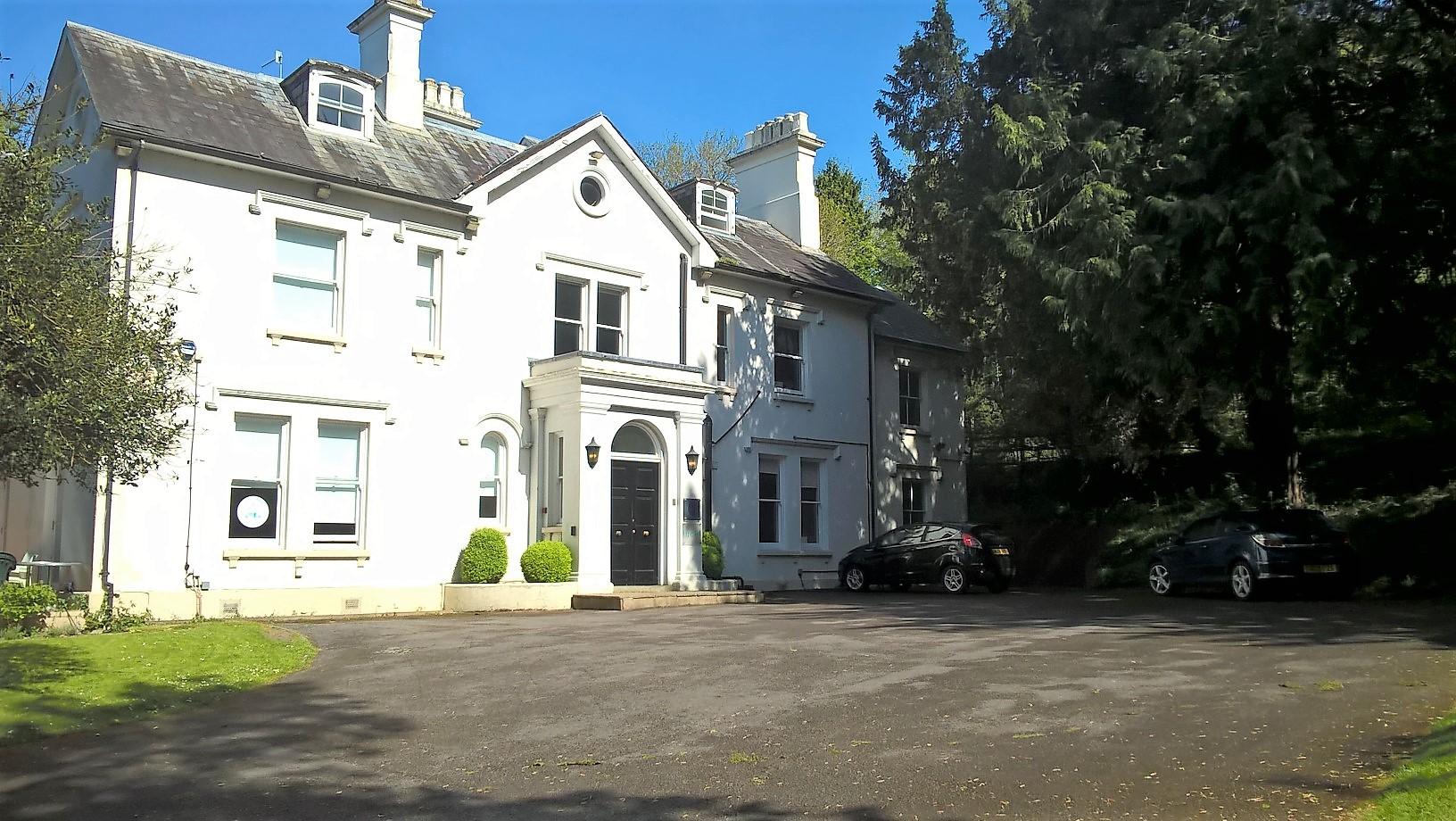 Burleighfield House Loudwater.jpg