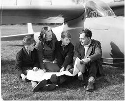 tn-Beryl-and-Geoffery-Stephenson-with-Carl-and-Peter-Withall-1950.jpg