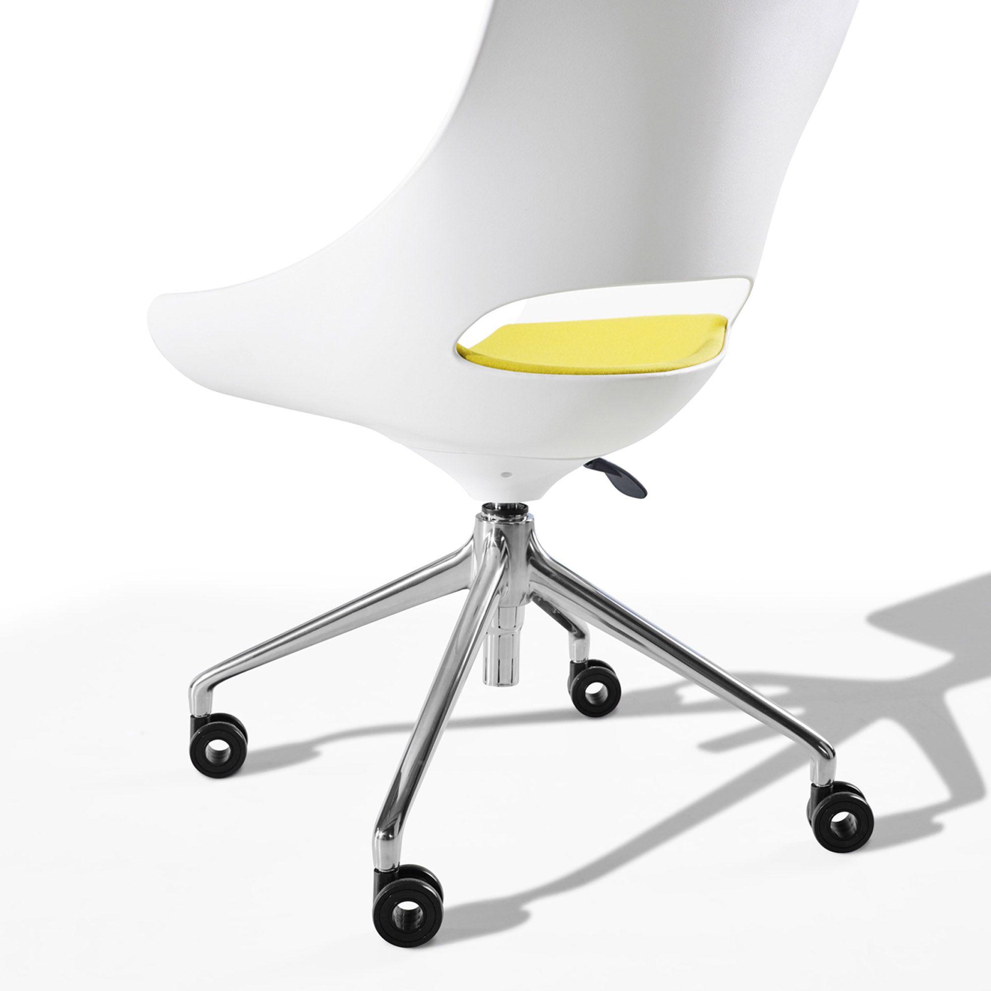 Jones-and-Partners-Touch-office-seating-9.jpg
